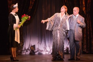 Blaire Baker (Maid), Emma Stratton (Helen Sinclair) and Rick Grossman (Julian Marx) in the North American tour of BULLETS OVER BROADWAY. Photo by Matthew Murphy.
