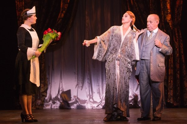 a4b0aedf41f5b0 Tour Theater Review  BULLETS OVER BROADWAY THE MUSICAL (North American Tour)