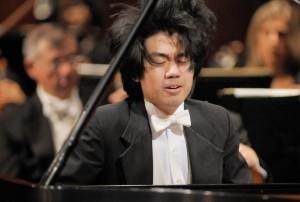Sean-Chen-at-piano