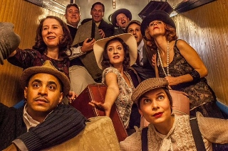 Post image for Chicago Theater Review: ONCE IN A LIFETIME (Strawdog Theatre Company)