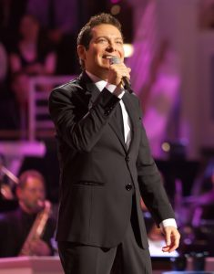 2012-PR-25-Michael-Feinstein-Sinatra-Legacy-Photo-3-Credit-is-Zach-Dobson