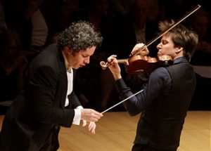 bell-and-dudamel-photo-by-lawrence-k-ho