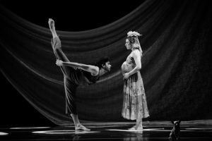 tina-berkett-joseph-davis-in-death-defying-dances-a-world-premiere-by-arthur-pita-photo-by-joshua-sugiyama