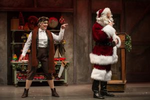 carisa-barecca-and-joe-dempsey-in-the-second-citys-twist-your-dickens-at-goodman-theatre