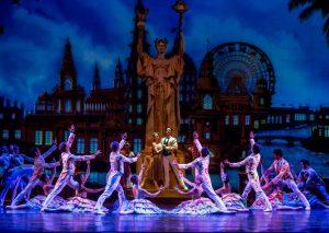 22-the-joffrey-ballet-in-christopher-wheeldons-the-nutcracker-photo-by-cheryl-mann