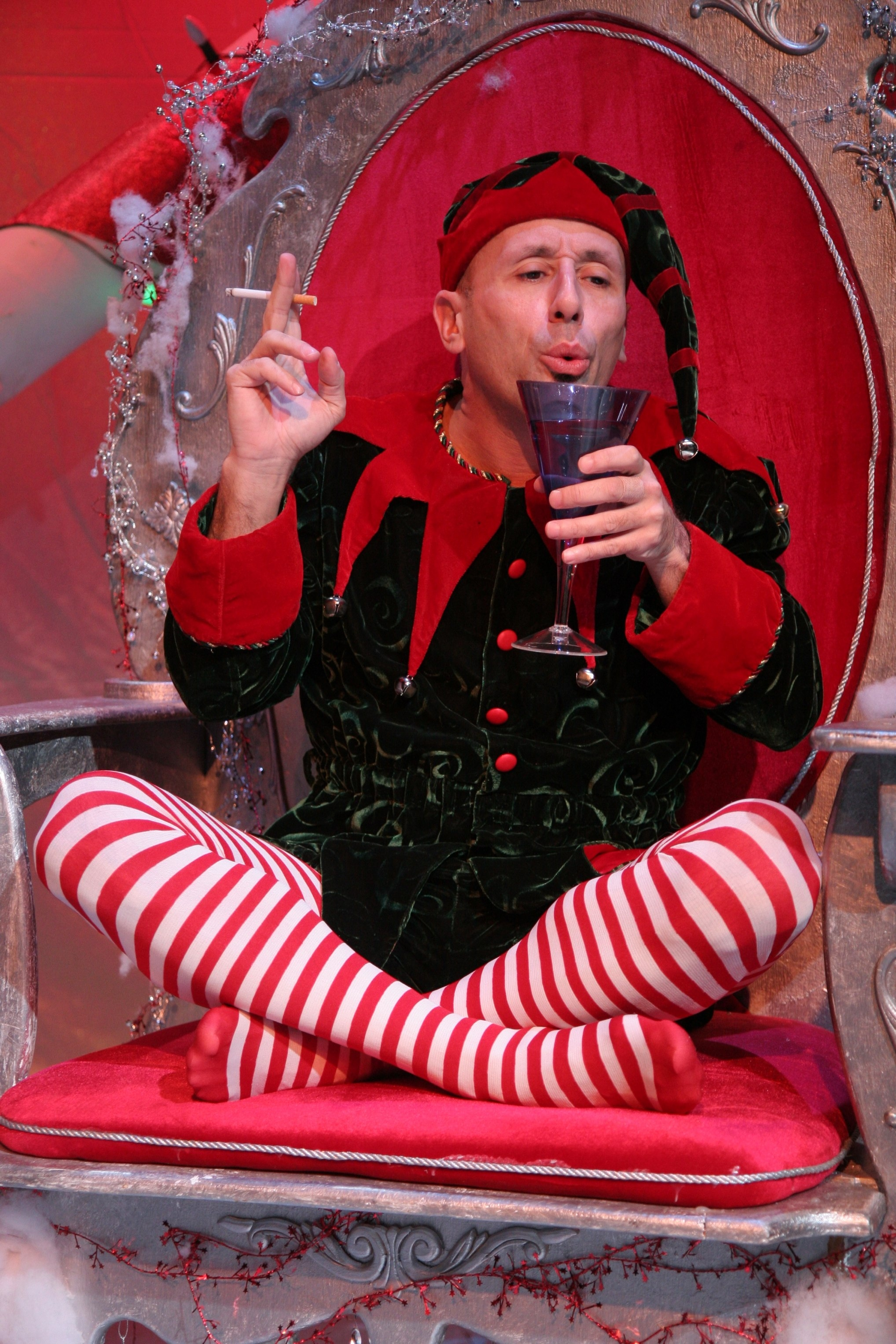 Theater Review This Way Outta Santaland And Other Christmas