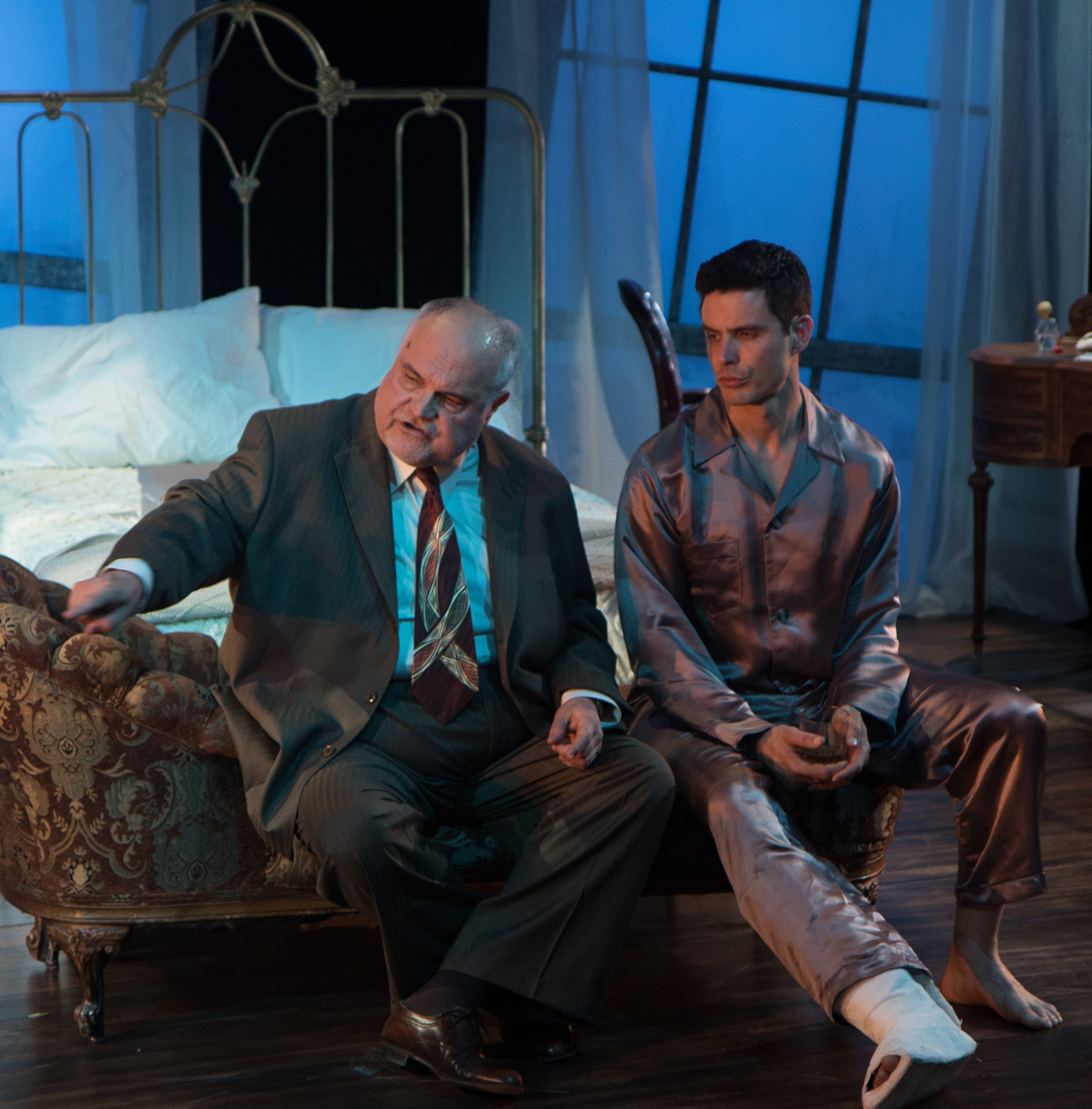 theater review cat on a hot tin roof antaeus theatre in los angeles antaeus will no doubt have to deal this in the future but the smallness of their 80 seat theatre s stage makes for unneeded claustrophobia