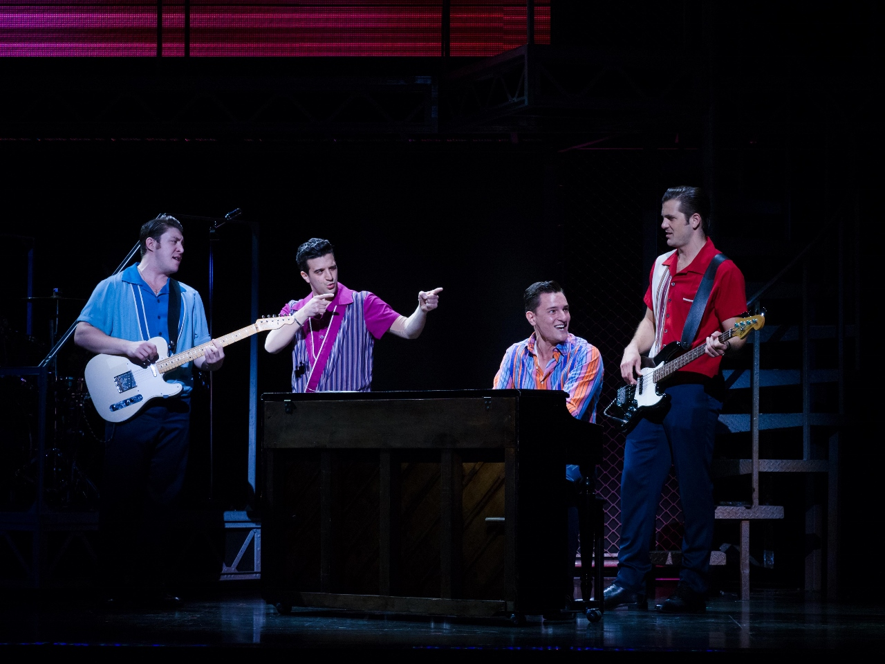 Theater Review: JERSEY BOYS (2017-18 national tour)