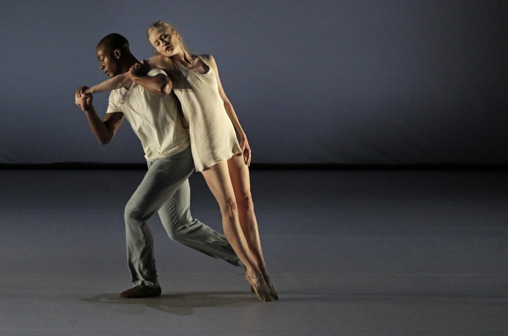 BEVERLY HILLS, CA. NOV. 02, 2017. L.A. Dance Projectin a Fall program of US and West coast premiere dances at the Wallis Annenberg Center for the Performing Arts. (Photo Credit: Lawrence K. Ho)