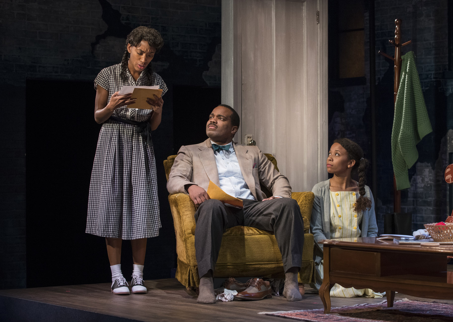 Theater Review Crumbs From The Table Of Joy Raven In Chicago